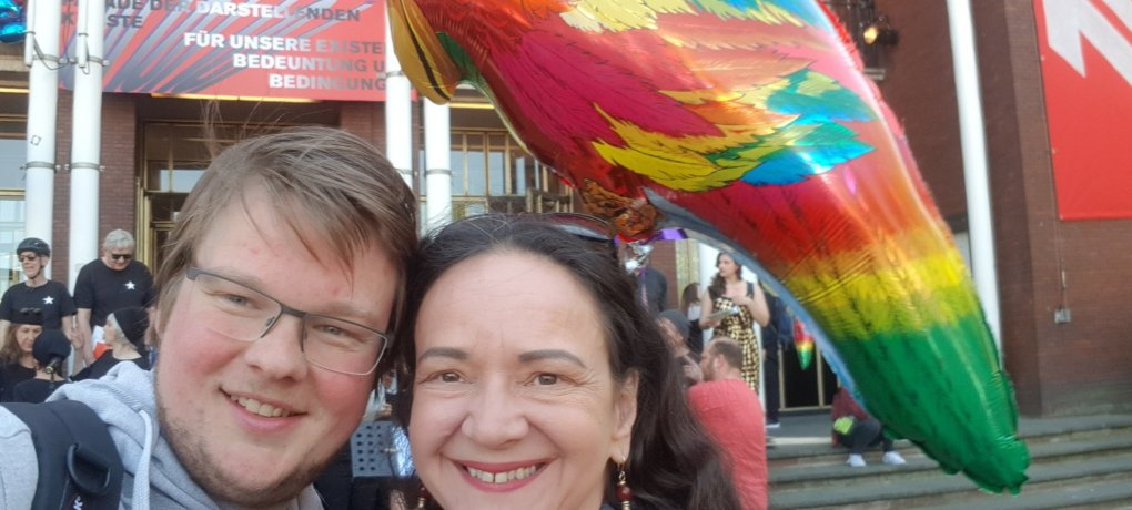 Simone Barrientos und Michel Brandt bei der Parade der Darstellenden Künste.