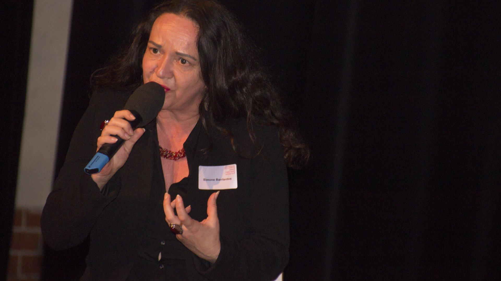 Simone Barrientos bei der Podiumsdiskussion, Allianz der freien Künste