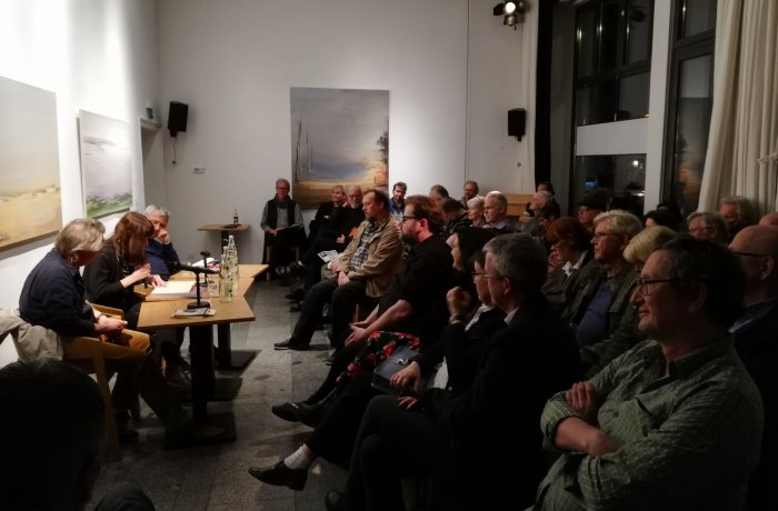 Buchpremiere, Der Feuerstuhl, Werk und Wirkung des Schriftstellers B. Traven, Herausgegeben von Simone Barrientos und Karsten Krampitz